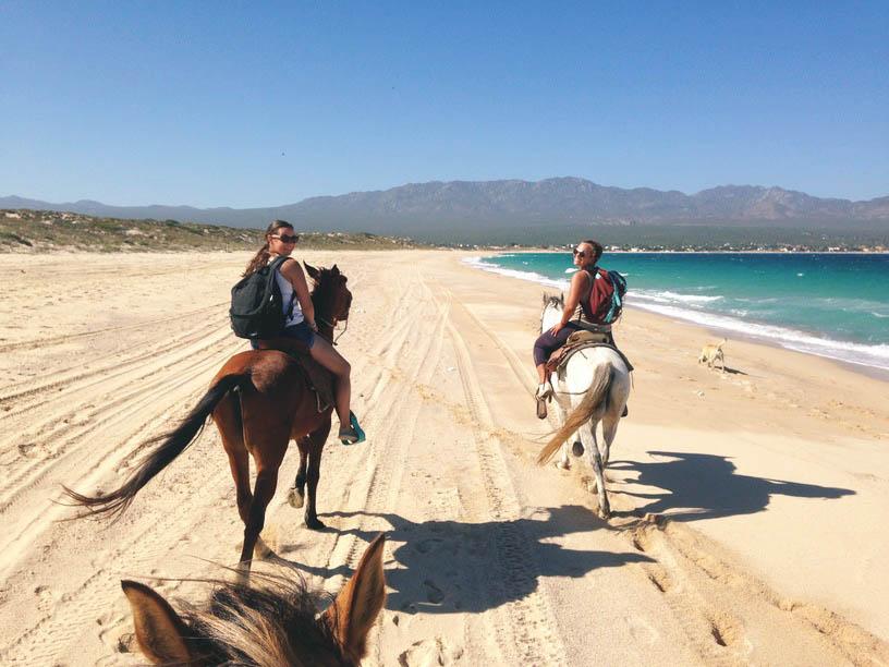 hobustega rannas ratsutamine