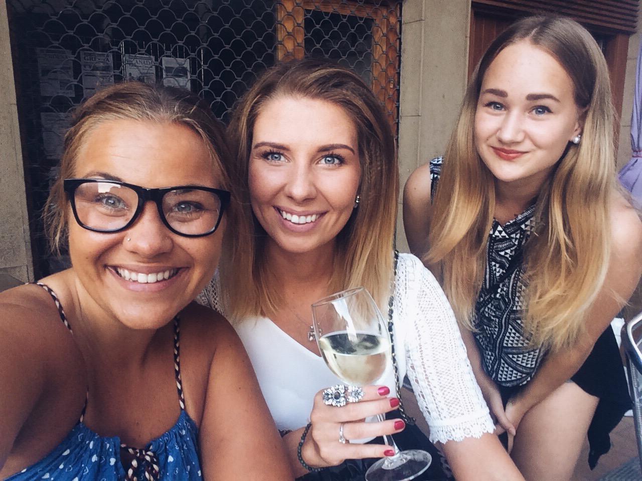ilusad tüdrukud