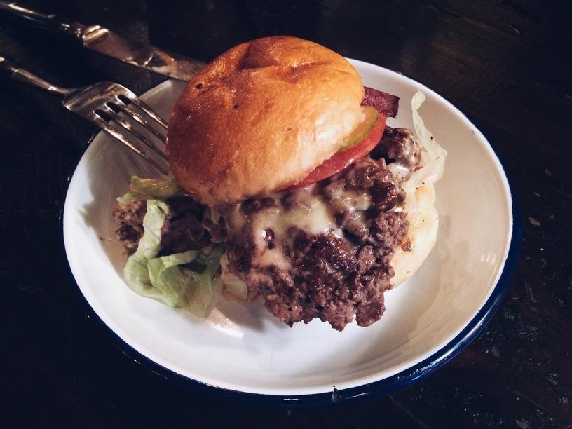 hamburger lõunasöögiks
