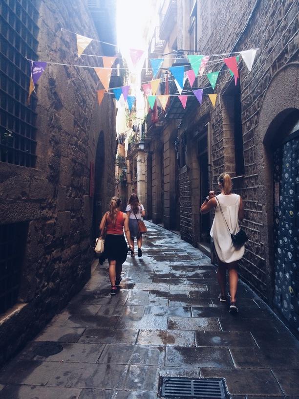 mööda hispaania tänavaid jalutamine