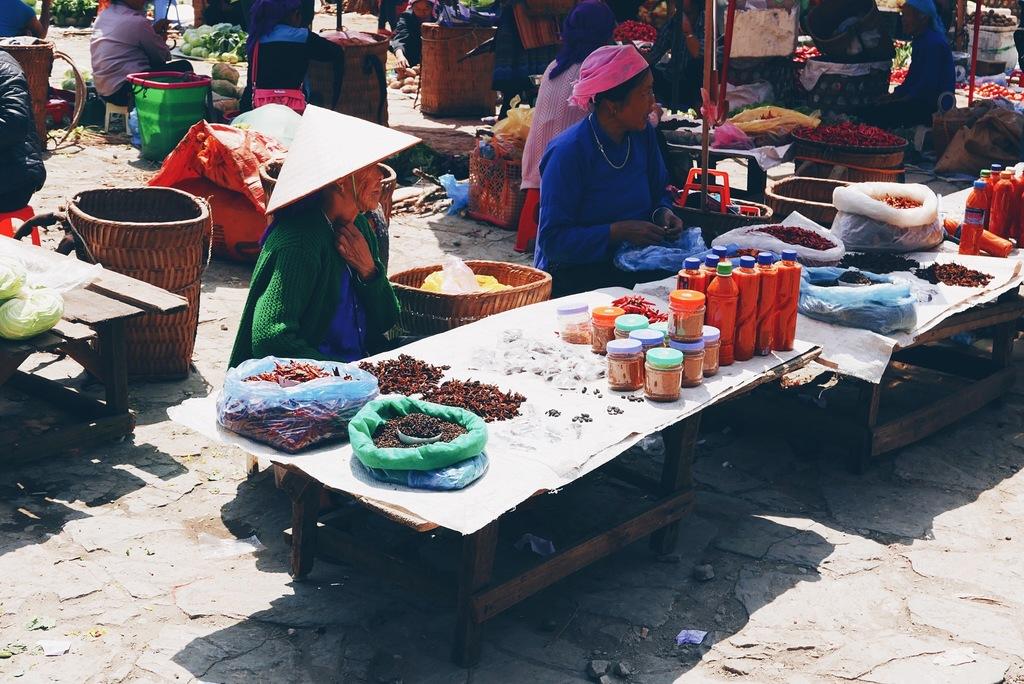 bac ha market vietnamis