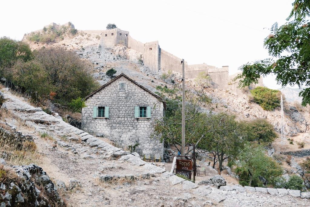 väike mägimaja